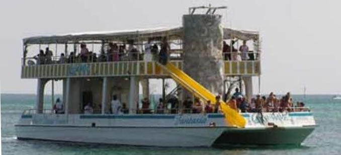 Double decker snorkel Boat Bahamas